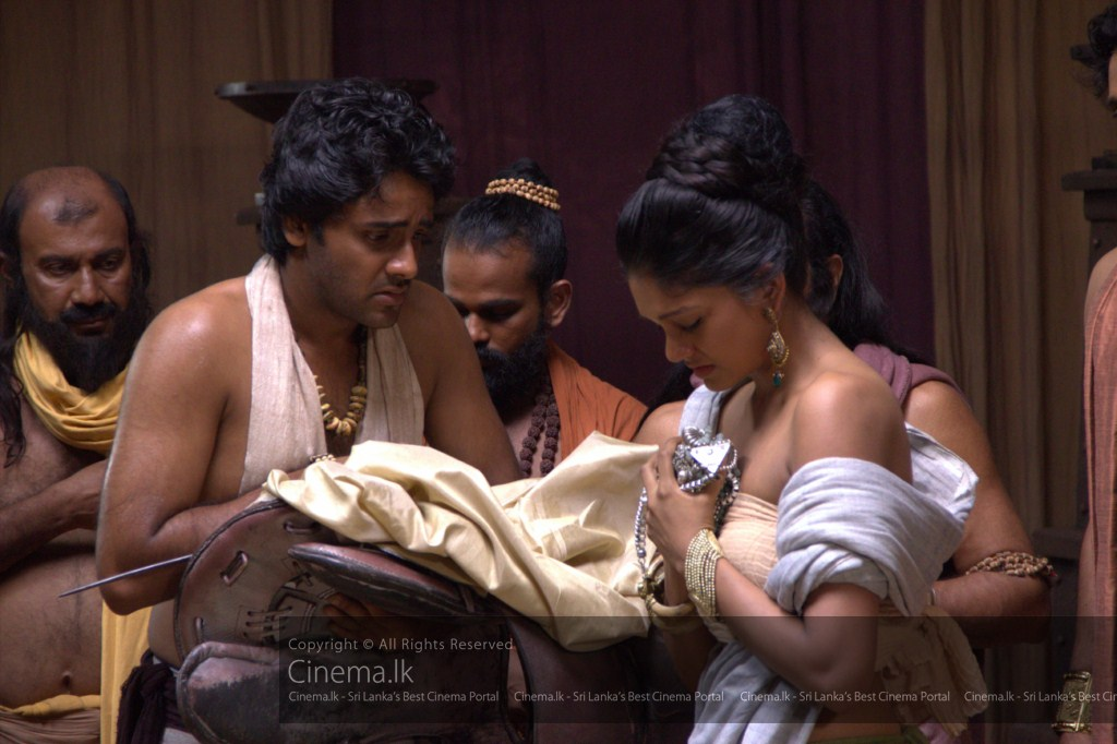 Closeup of Channa (Saranga Dissasekara) and Queen Prajapathi (Anjani Perera) looking at the royal belongings [1024x768]