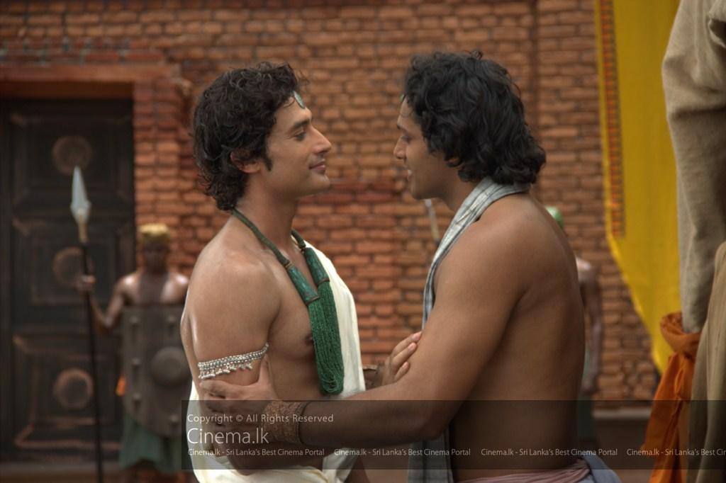 Nanda greets Prince Siddhartha [1024x768]