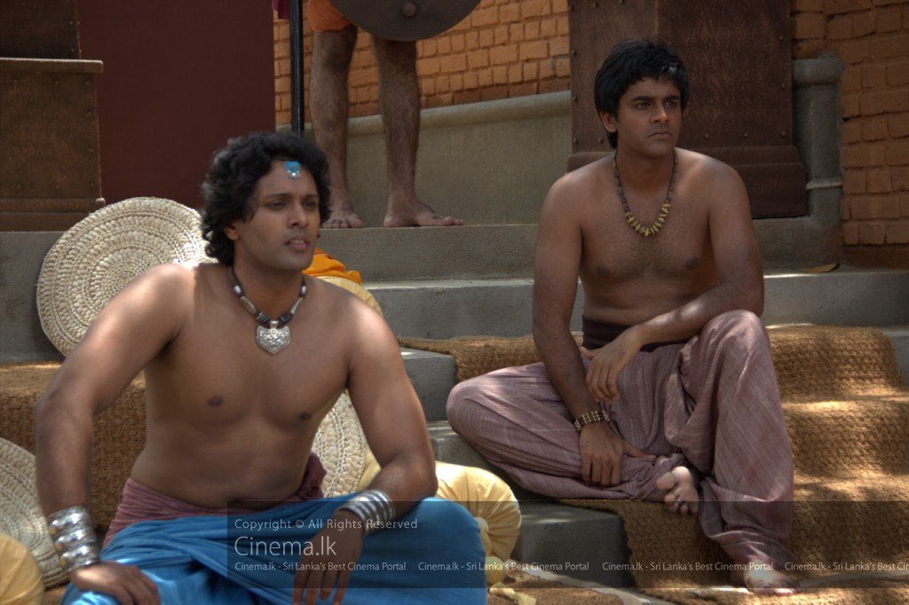 Prince Nanda (Roshan Ranawana) and Channa (Saranga Dissasekara) watching the training [1024x768]