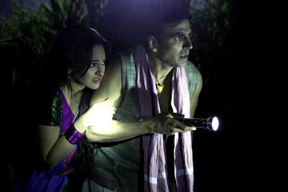l9nl67iq2e0zj804.D.0.Akshay-Kumar-Sonakshi-Sinha-Joker-Movie-Pic