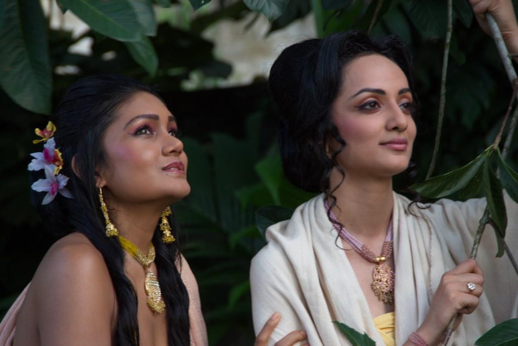 Queen Prajapathi and Queen Maya [1024x768]