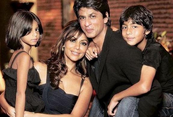 shahrukh_khan_Family-Pics{1}