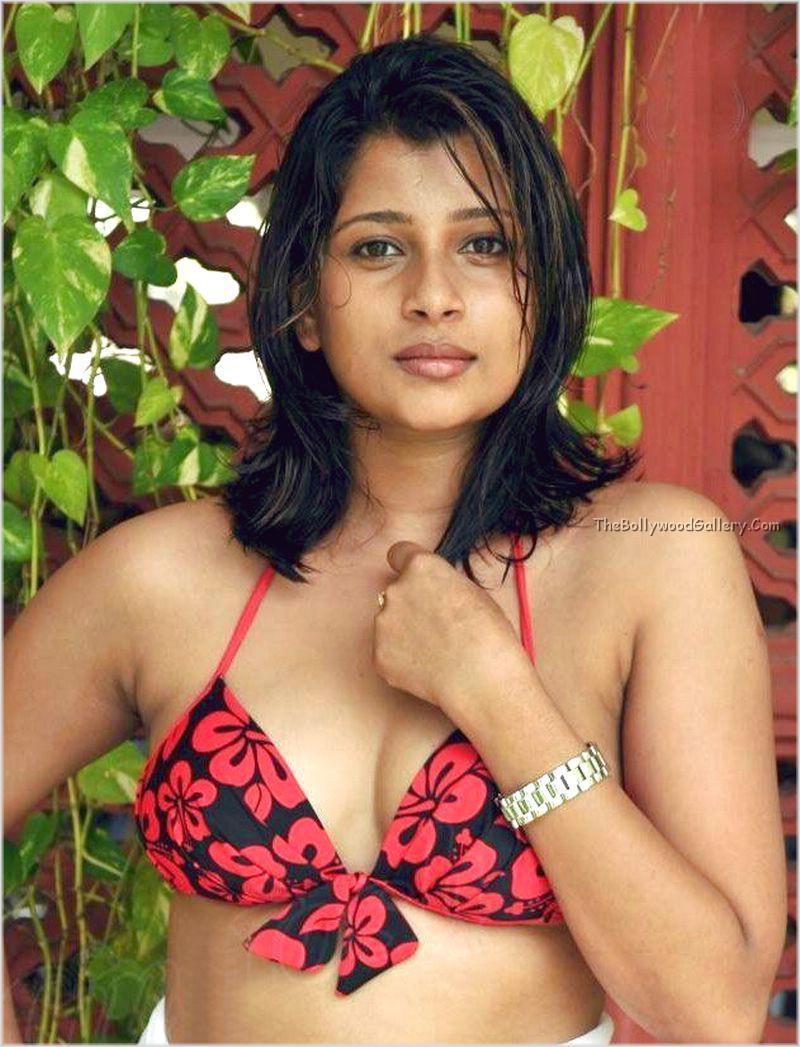 Nadeesha-Hemamali-In-Bikini-6