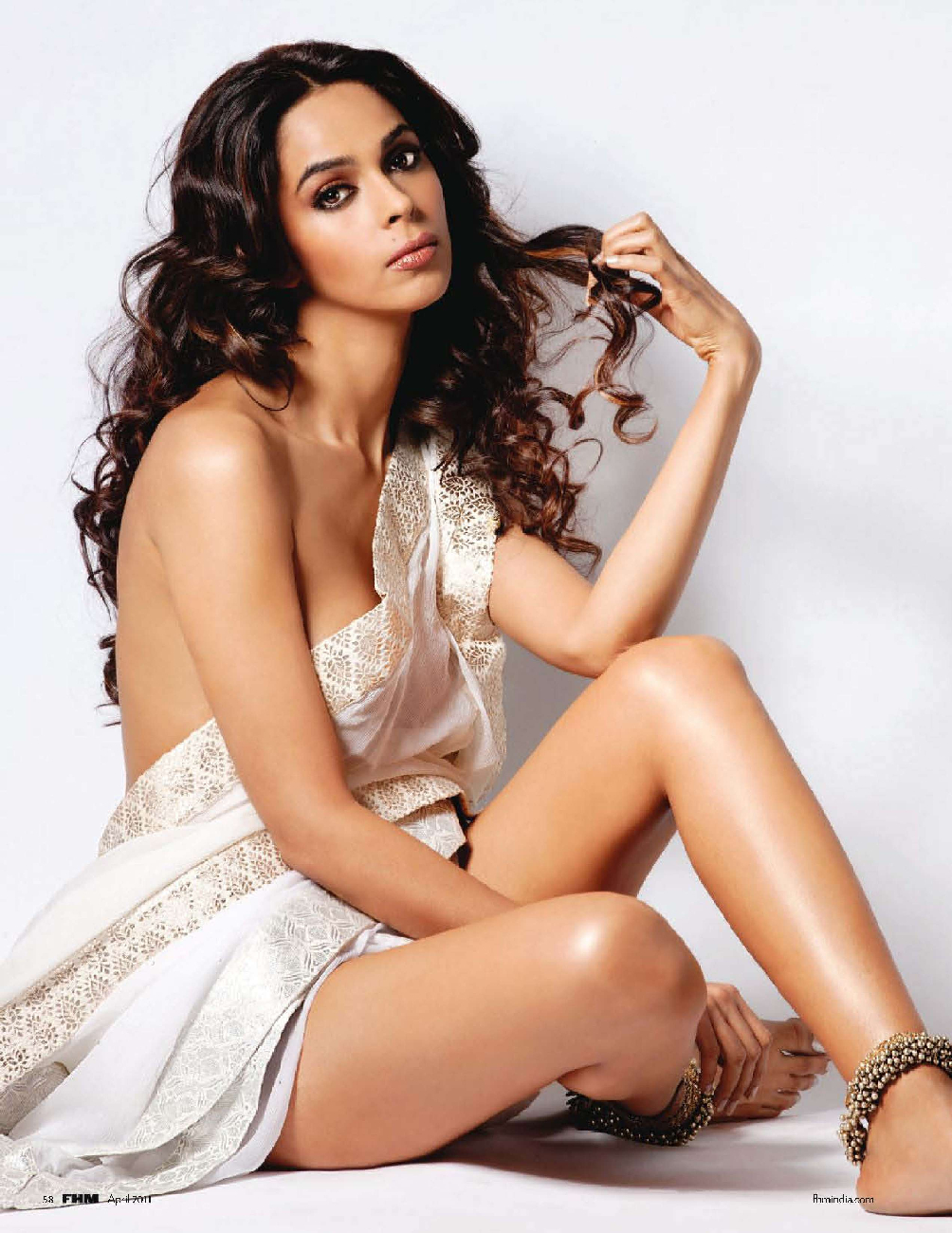 Mallika-Sherawat-Hot-On-FHM-India-April-2011-Stills-HQ-1