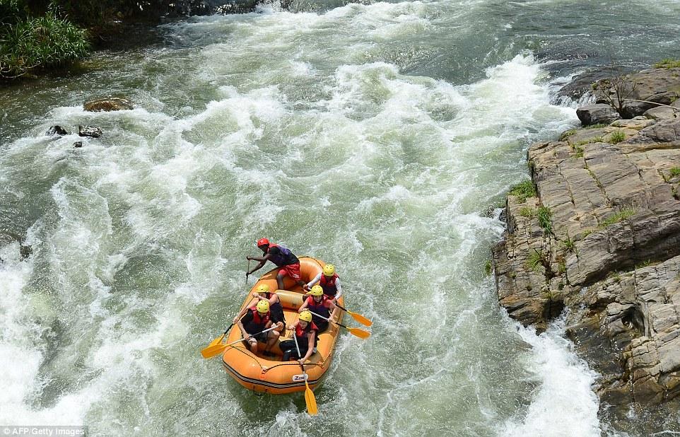 කිතුල්ගල සංචාරක අවධානය දිනාගත් Water Rafting