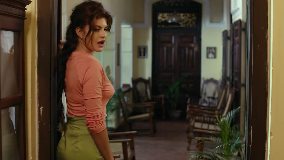jacqueline-fernandez-in-official-trailer-according-to-matthew-2018
